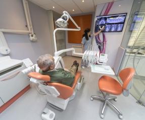 clinica-dental-gabinete1-belen-esteban-consulta
